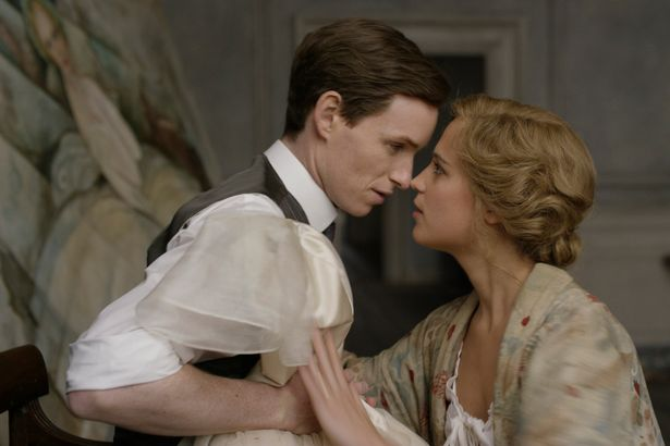 Eddie-Redmayne-in-The-Danish-Girl